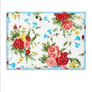 (6) The Pioneer Woman Sweet Rose Placemats